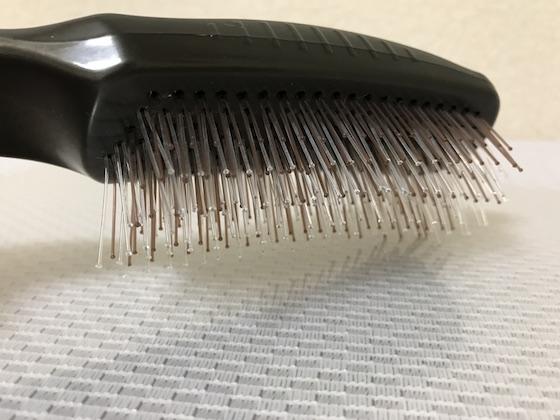 ドクターズヘアケアブラシの毛の埋め込みはUの字