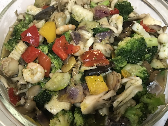 野菜とシーフードのオリーブオイル漬け